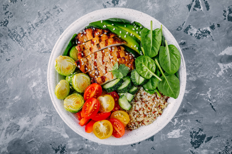 Bowl Quinoa con Pollo | 50 Alimentos del Futuro