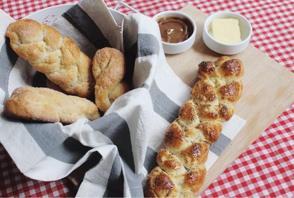 Pan de leche condensada y amapolas