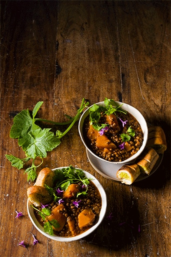 Spicy Lentil Stew with Warm Garlic Bread