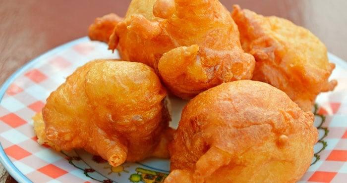Buñuelos de queso con un toque de mostaza