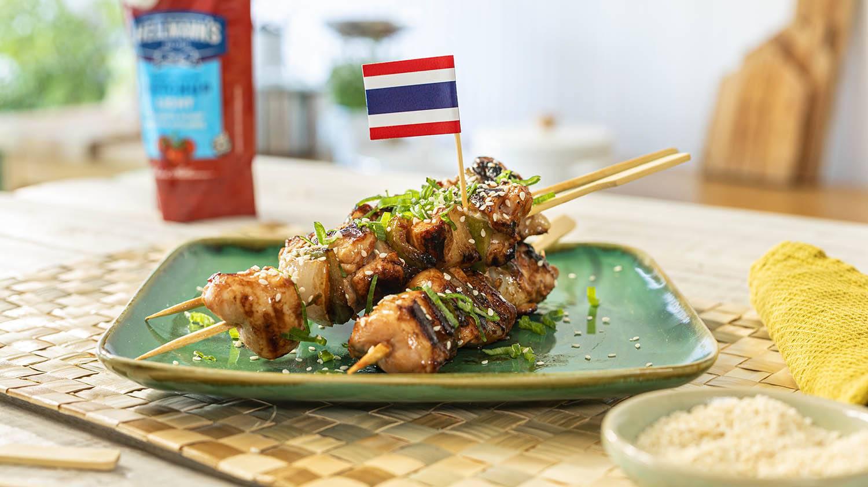 Brochettes de pollo tailandés