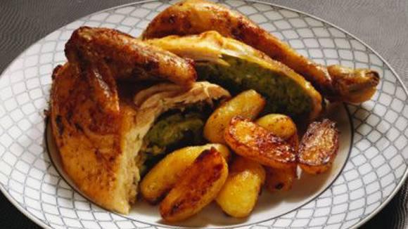 Pollo al horno con papas al romero