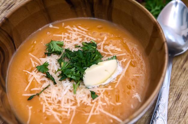 Sopa crema de calabaza y parmesano