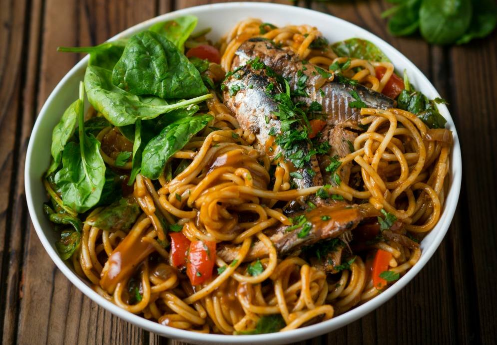 Tomato Pilchard Pasta with Spinach
