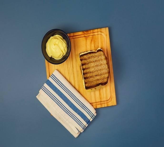 Sándwich de milanesa de Seitán con queso y tomate