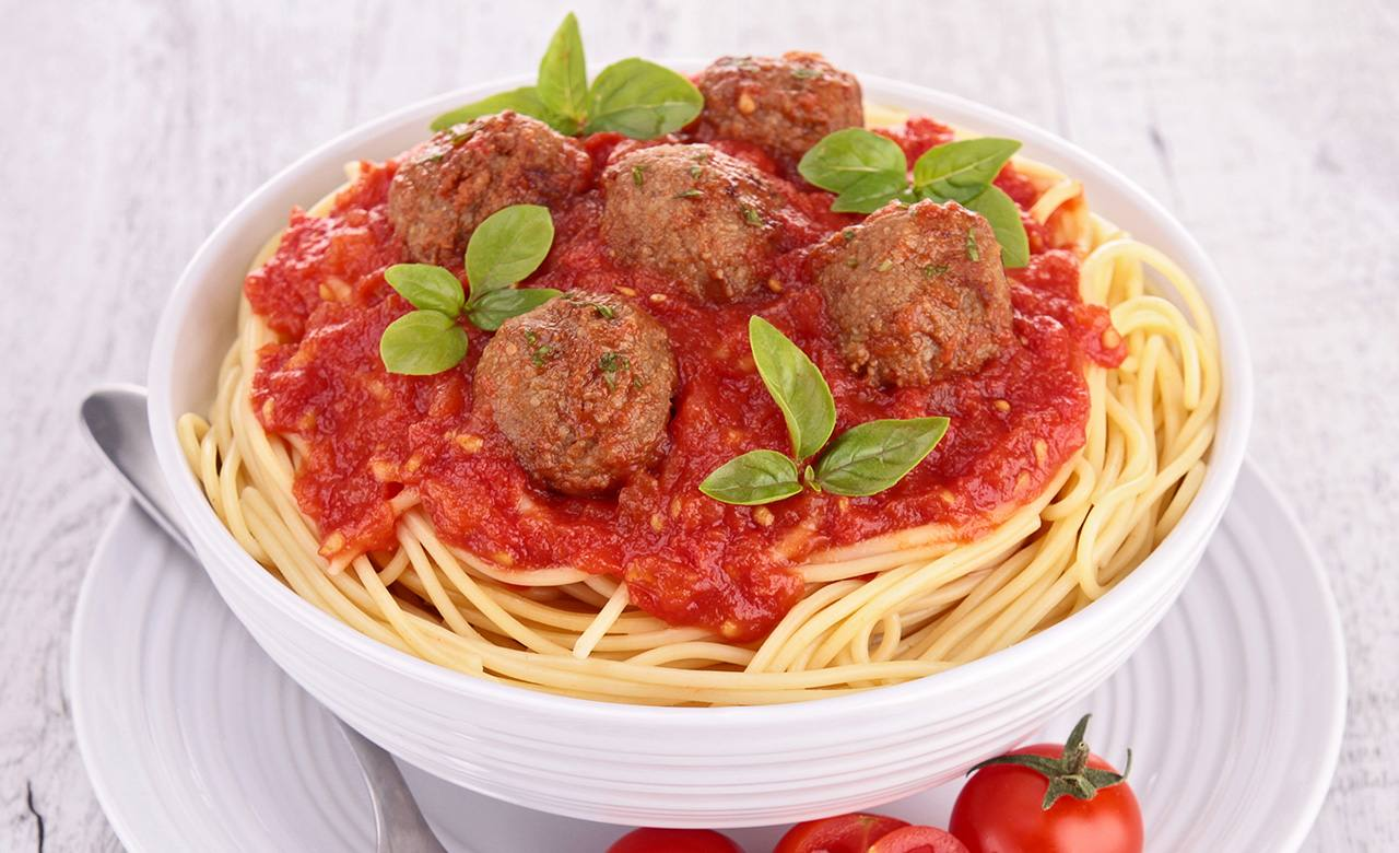 Spaguettis con Albondigas