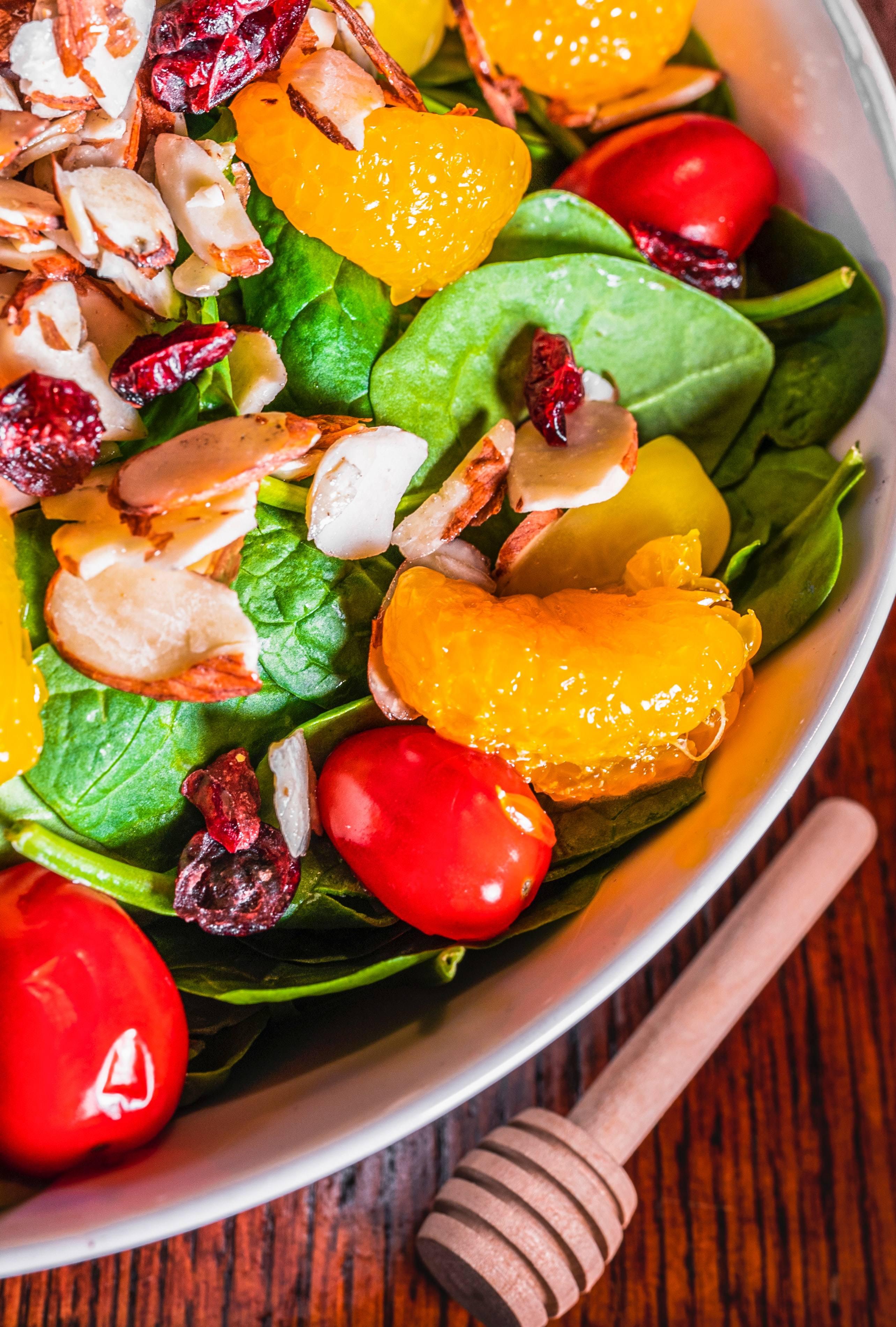 Ensalada de espinaca y pomelo, fácil y fresca