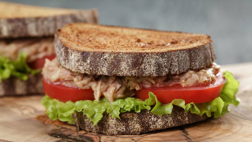 Sandwich de Atún Cremoso