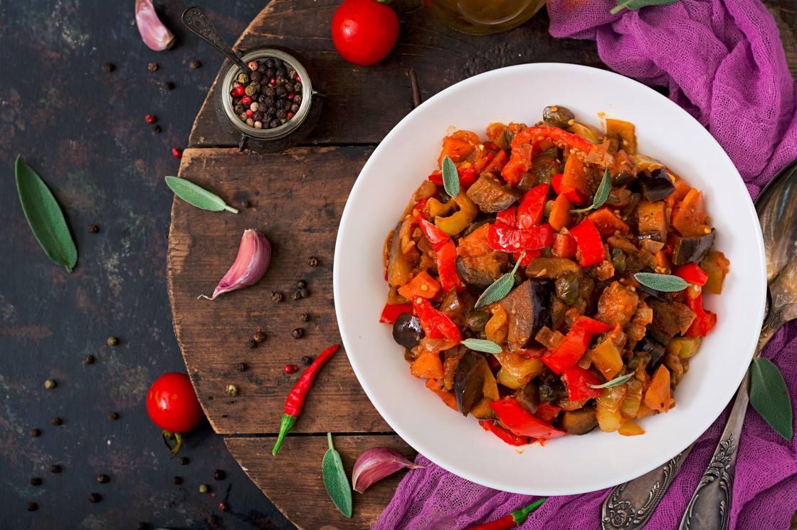Estofado de Verduras con Camote y Maní