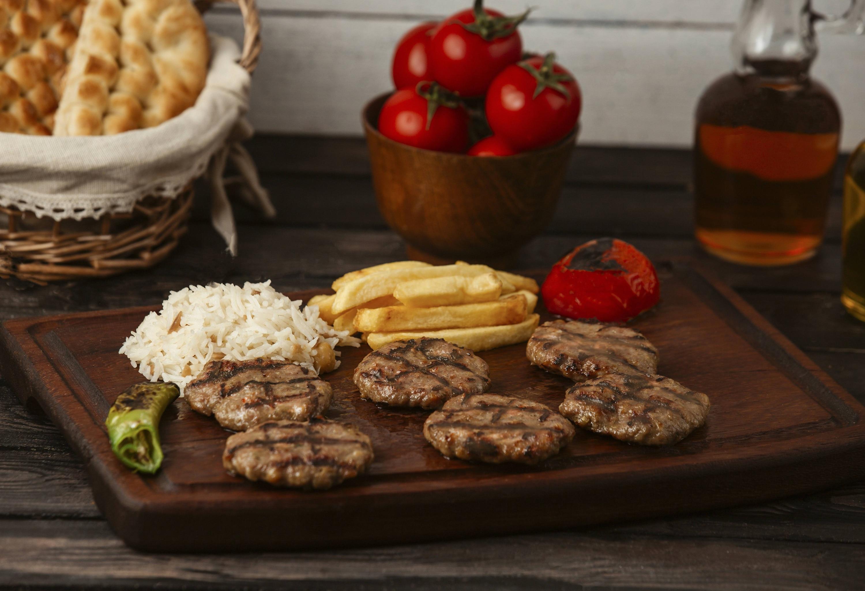 Hamburguesas de carne con arroz súper rendidoras