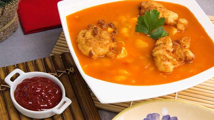 Sopa de Arracacha con Orejas y Salsa de Tomate Fruco