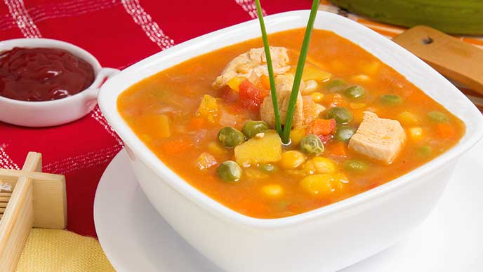 Sopa de la Huerta con Salsa de Tomate Fruco